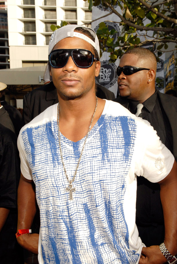 Polow Da Don arriving at the 2007 O'Zone Awards