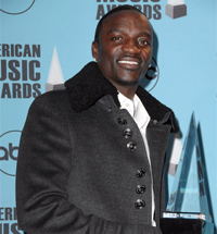 Akon Charged in Fan Tossing Incident