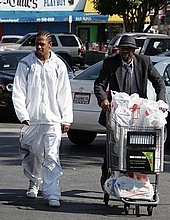 Nick Cannon grocery shopping at Ralph's