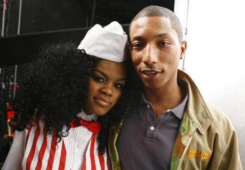 "Teyana Taylor and Pharrell on the set of ""Google Me, Baby"""