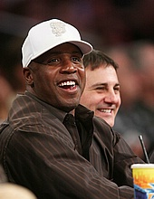 Barry Bonds at the Lakers game - March 9th 2008
