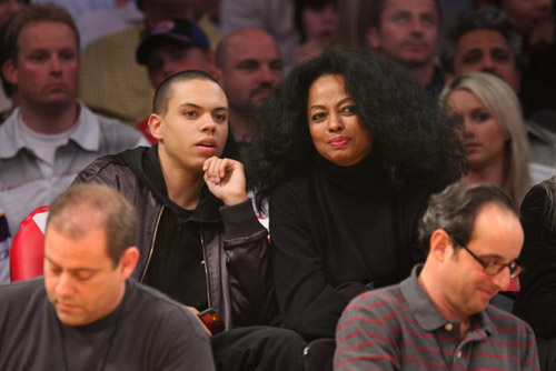 Diana and Evan Ross at Lakers Game - March 7th 2008