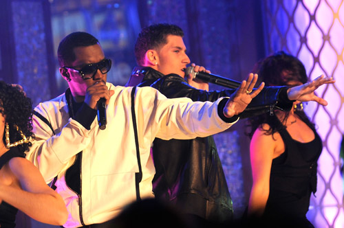 Diddy and Donnie performing at the MTB4 (Season 2) finale