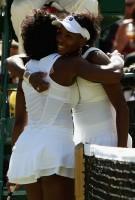 Serena Congratulate Venus After Winning 2008 Wimbledon Championship