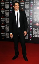 Jesse Metcalfe (the show's host) on the Red Carpet // 2008 World Music Awards