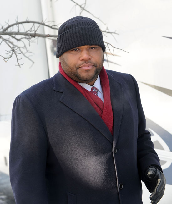 Anthony Anderson on the set of Law & Order