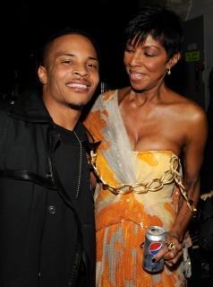 T.I. & Natalie Cole // 2009 Grammy Awards (Backstage)