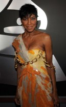 Natalie Cole // 2009 Grammy Awards Red Carpet