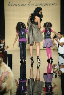 Kimora Lee Simmons & her daughters // Baby Phat Fall \'09 Fashion Show
