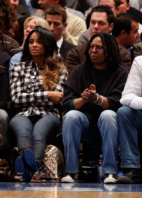 Ciara & Whoopi Goldberg // Knicks vs. Cavs basketball game (02.04.09)
