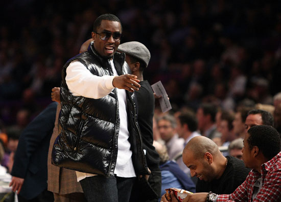 Diddy // Knicks vs. Cavs basketball game (02.04.09)