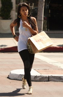 Angela Simmons leaving tanning salon in Los Angeles (Mar. 23rd 2009)