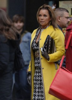 Vanessa Williams on the set of Ugly Betty in NYC (Mar. 19th 2009)