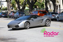 Chris Brown\'s rented Lamborghini