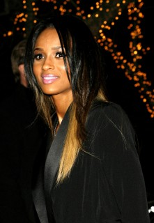 Ciara leaving the Waverly Inn in West Village, NYC (Mar. 24th 2009)