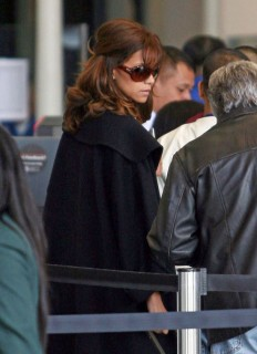 Halle Berry // LAX Airport (Mar. 18th 2009)