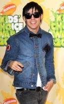 Pete Wentz // 2009 Kids Choice Awards Red Carpet