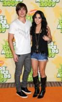 Zac Efron & Vanessa Hudgens // 2009 Kids Choice Awards Red Carpet