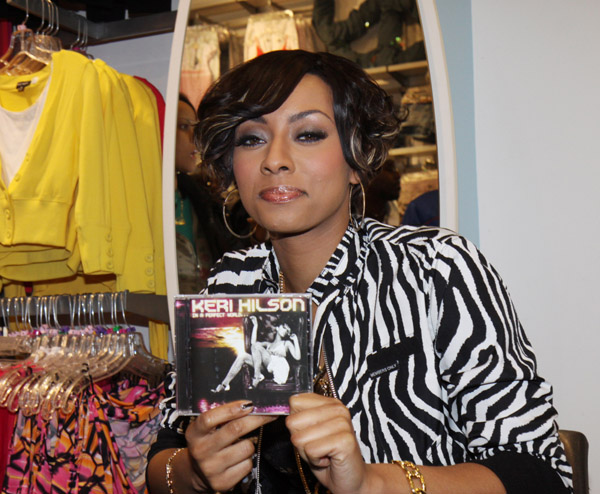Keri Hilson // In A Perfect World album signing at Wet Seal in NYC
