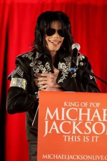 Michael Jackson\'s big concert announcement in London (Mar. 5th 2009)