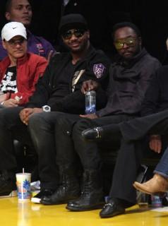 Polow Da Don & Will.i.am // Lakers vs. Mavericks basketball game - Mar. 15th 2009