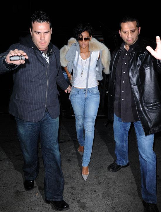 Rihanna leaving Da Silvano Restaurant (Mar. 14th 2009)