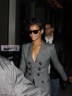 Rihanna // Leaving Spotted Pig Restaurant