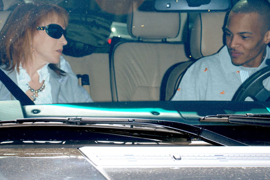 Kathy Griffin & T.I. hanging out in Hollywood (Mar. 3rd 2009)