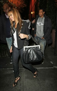 Beyonce & Jay-Z leaving Waverly Inn in NYC (Apr. 13th 2009)