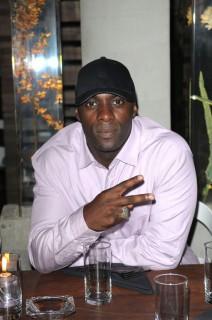 Idris Elba at Grass Restaurant in Miami (Mar. 31st 2009)