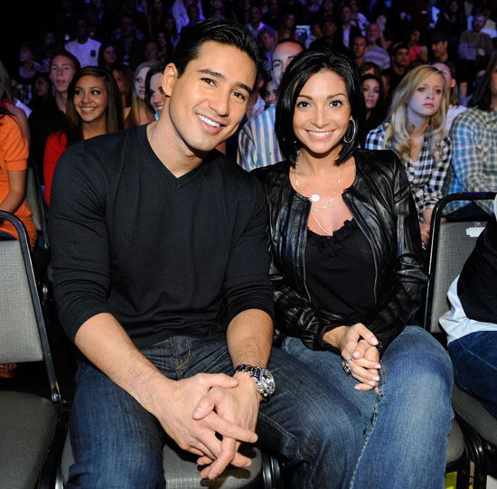 Mario Lopez and a gues the audience at a live taping of American Idol