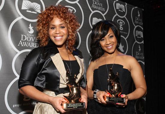 Mary Mary // 2009 GMA Dove Awards (press room)