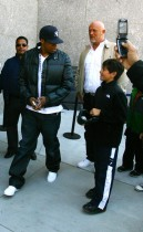 Jay-z headed to the new Yankees stadium in NY (Apr. 16th 2009)