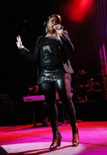 Jennifer Hudson in concert (New York City - Apr. 10th 2009)