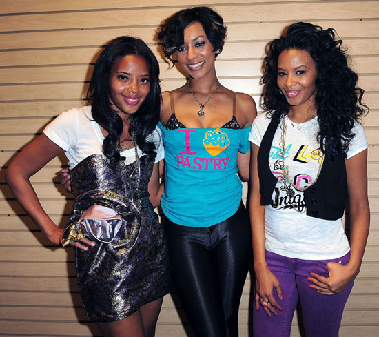 Angela Simmons, Keri Hilson and Vanessa Simmons // Pastry Mall Tour 2009 at Aventura Mall in Florida