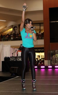 Keri Hilson // Pastry Mall Tour 2009 at Aventura Mall in Florida