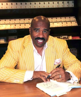 "Steve Harvey // ""Act Like a Lady, Think Like a Man"" Book Signing"