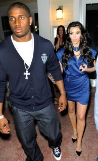 Reggie Bush & KIm Kardashian in Miami Beach (Apr. 11th 2009)