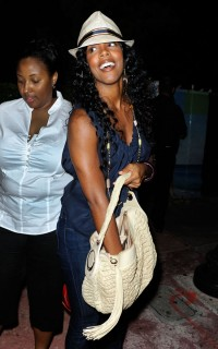 Kelly Rowland in Miami Beach (Apr. 11th 2009)