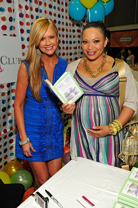 """Nancy O'Dell & Tisha Campbell at a signing of Nancy's new book """"Full of Life"""" at the Baby & Tween Celebration trade show"""