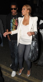 Beyonce & Jay-Z arriving at Bungalow 8 in London (May 25th 2009)
