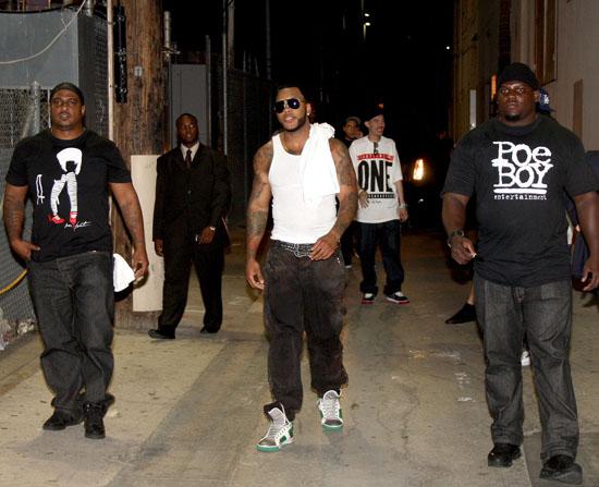 Flo Rida leaving Hollywood, CA venue (May 7th 2009)