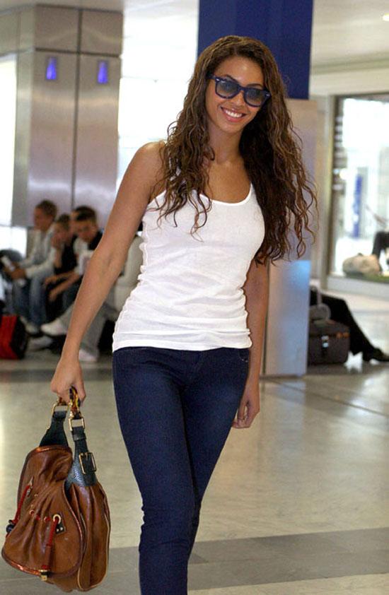 Beyonce at Nice Airport in Paris, France (May 13th 2009)