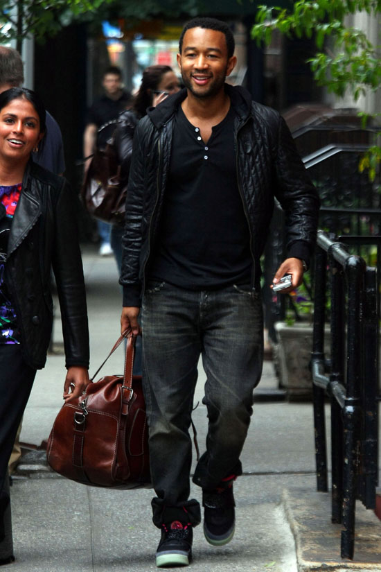 John Legend leaving Mary's Fish Camp in Manhattan (May 28th 2009)