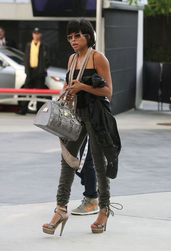 Taraji P. Henson arriving at Staples Center in Los Angeles for the Lakers/Nuggets game (May 27th 2009)