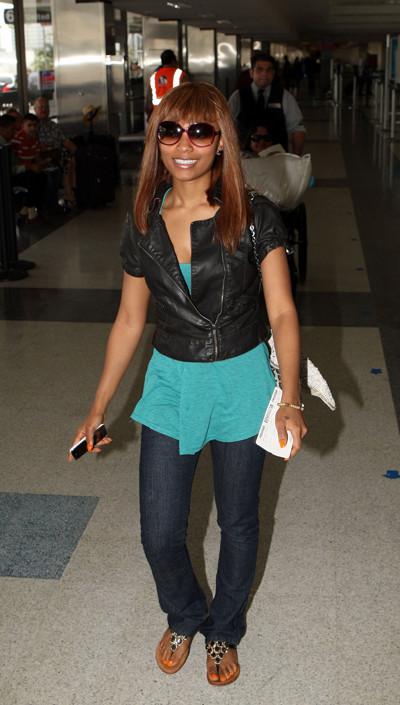 Teairra Mari at LAX Airport in Los Angeles (May 2009)