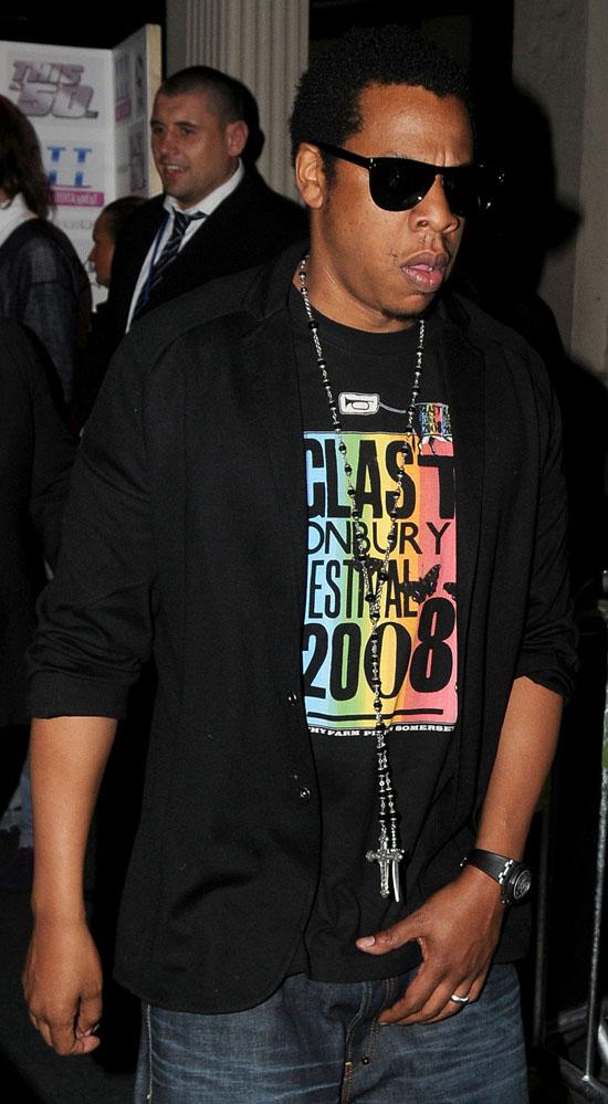 Jay-Z leaving Movida in London (May 25th 2009)