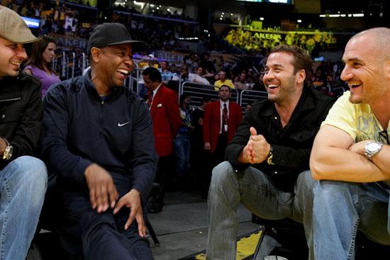 Denzel Washington & Jeremy Piven // Lakers vs. Rockets Playoff Game (May 12th 2009)