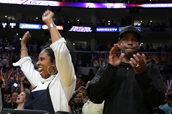 Denzel Washington & his wife Paula at the Lakers/Nuggets NBA Playoff Game (May 19th 2009)