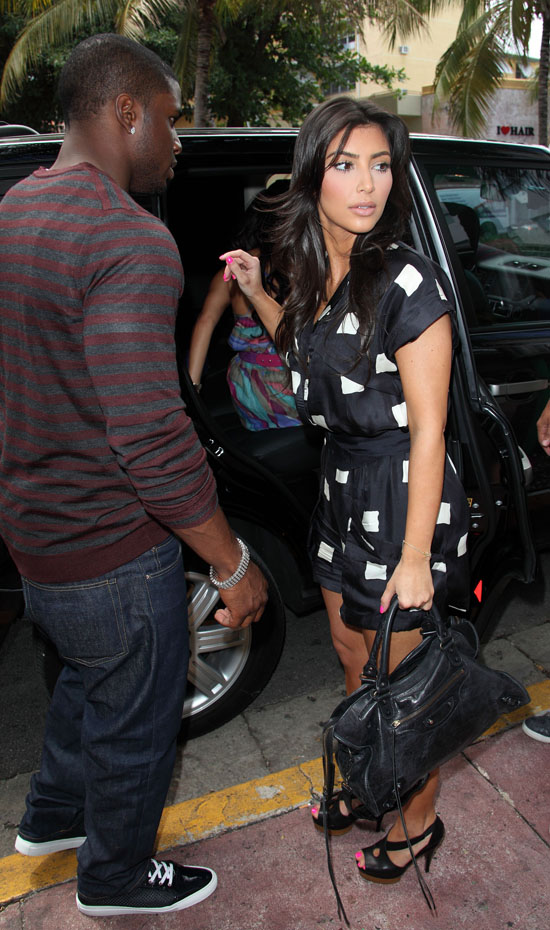 Reggie Bush And Kim Kardashian Beach Coupled Up: Reg...